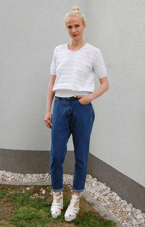 azurowy-sweterek-retro