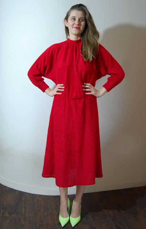 czerwona-pluszowa-sukienka-vintage