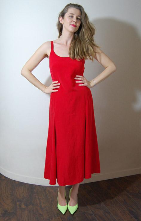 czerwona-sukienka-na-ramiaczkach-vintage