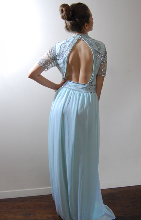 frill-and-frock-sukienka-maxi-xekinowa-odkryte-plecy