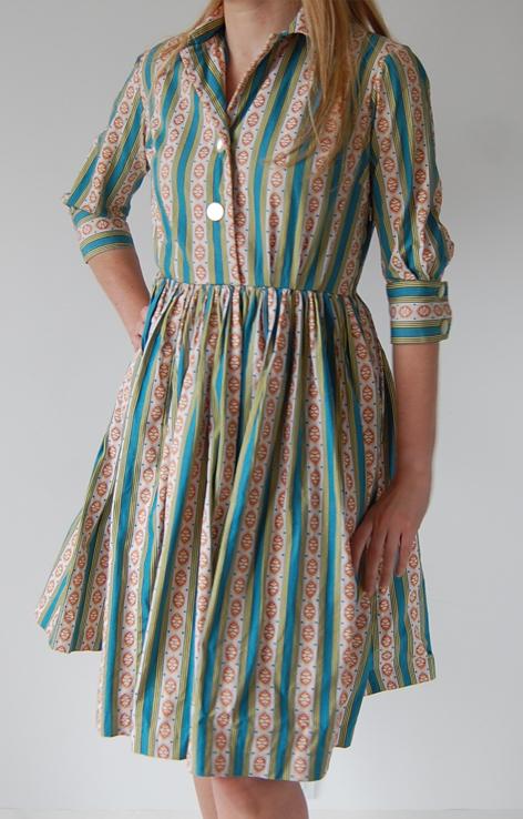 rozkloszowana-sukienka-zielone-pasy-lata-60-50-v2